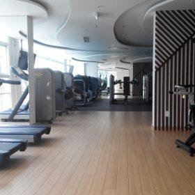 Thi công gương phòng Gym
